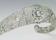 Royal family of England jewels - Queen Mary Tiara - Meghan wedding.