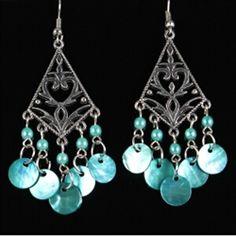 vintage earrings $7.99
