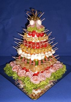 jednohubky | Torty od mamy Cold Appetizers, Christmas Appetizers, Antipasto, Appetizer Display, Amazing Food Art, Lunch Buffet, Kegel, Food Platters, Appetisers