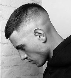 25 Very Short Hairstyles For Men Guide) Short Crew Cut Fade + Shape Up – Best Very Short Haircuts For Men + Cool Short Men's Hairstyles Short Fade Haircut, Very Short Haircuts, Short Haircut Styles, Cool Haircuts, Haircuts For Men, Short Hair Styles Men, Very Short Hair Men, Short Hair For Boys, Short Hair Cuts