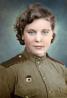 Unknown woman - Corporal on line of the Red Army, WWII Ww2 Women, Military Women, Military Art, Military History, Female Hero, Female Soldier, Women In Combat, Soviet Army, Red Army
