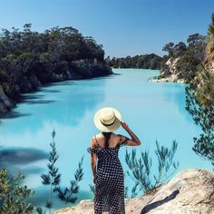 Little blue lake tasmania The Beautiful Country, Beautiful Places, Peaceful Places, Shadow Of The Almighty, Under The Shadow, Cool Countries, Places Around The World, Australia Travel, Wonders Of The World