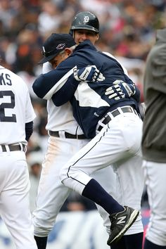 Don Kelly gets a big hug from Jim Leyland after giving the Tigers their Game 2 walk-off win!!