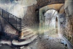 Urban Exploration (Urbex) photography by Ben Schreck | Digital Photography School