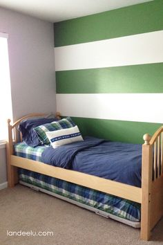 Decorate your room in a new style with murphy bed plans Build A Murphy Bed, Best Murphy Bed, Murphy Bed Ikea, Murphy Bed Plans, Dyi, Trundle Bed Frame, Twin Bed With Trundle, Modern Murphy Beds, Guest Bed