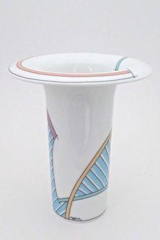 Surface Art, Postmodernism, Finland, Icon Design, Mid-century Modern, Pop Art, Mid Century, Vase, Interiors