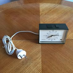 Vintage Remington Multi-Wecker alarm clock 1970s Germany to wake you up   1970s alarm clock from Germany, it works but the alarm sound is weak. It has a cord socket for Europe and 220 volt.  Perfect for decoration of your bedroom.