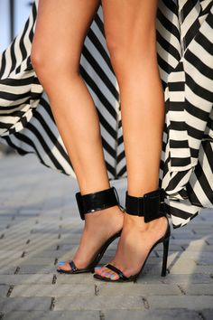 Gucci Victoire buckle sandals from Annabelle Fleur. VIVALUXURY: SUNSET STRIPES
