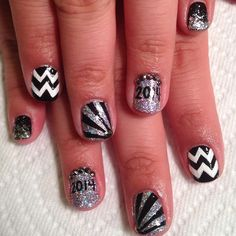 New Year's Engagement Party! Navy, Blue, Silver, White and Black. New Year's Nails, Love Nails, Fun Nails, Pretty Nails, Hair And Nails, New Years Nail Art, Paws And Claws, Nail File, Nail Arts