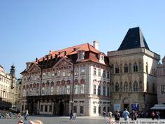Edificios de Praga Muestra de algunos de los preciosos edificios que asoman por toda Praga.  Estos concretamente estaban en la plaza de la Ciudad Vieja