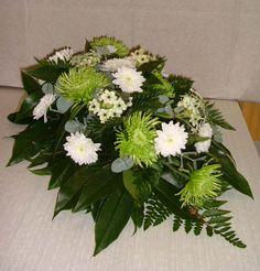 Arte Floral, Funeral Arrangements, Flower Arrangements, Grave Decorations, All Souls Day, Sympathy Flowers, Funeral Flowers, Flower Boxes, Flower Bouquet Wedding