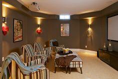 https://i.pinimg.com/236x/90/4c/6e/904c6eb838e3e39fd412fafb1b784586--small-media-rooms-media-room-design.jpg