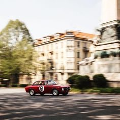 'No Traffic' with @car_vintage for @icon_panorama   #alfaromeo #alfa #gt #alfagt #junior1300 #car #carporn #carlomollino #carphotography #classic #classiccar #vintage #vintagecar #gentleman #gentlemandriver #racing #empty #city #torino #italy #getoutanddrive #ontheroad #freedom #love #speed #shotbyme