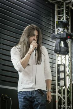 Ray Alder of Fates Warning during the soundcheck before the gig in Berlin, Germany