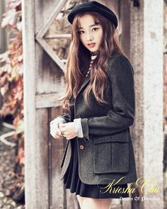 Solo artist Kriesha Chu has dropped her second set of teaser images for her comeback. Kriesha Chu will be one of the first artists to make a … Korean Fashion Trends, Fashion 101, Cute Korean, Korean Outfits, Teaser, Mini Albums, Winter Fashion, Winter Hats, Cute Outfits