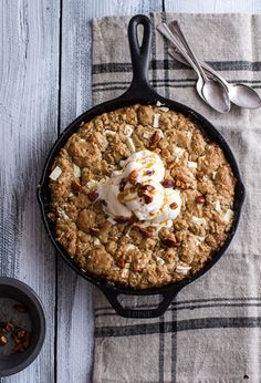 Anything that combines fruit and chocolate like this caramelized peach and white chocolate oatmeal skillet cookie has our names written all over it.
