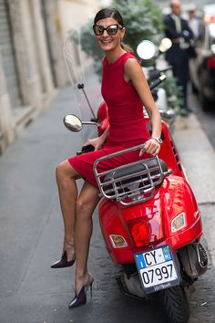 Milan Fashion Week: Giovanna Battaglia - Street Style Spring 2014 in red. And those shoes are simply to die for!