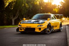 The Mazda FD RX-7 needs no introduction. I'll even go and put it out there, that of the iconic, 90s Japanese super-cars, this one looks the best, an