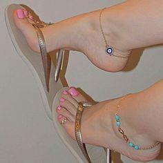Que no diera por besar estos hermosos pies