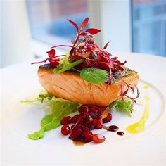 Herb crusted king salmon, Topped sherry balsamic pomegranate gastrique, chard micros and frisée, on wasabi pea purée. Fish Recipes, Seafood Recipes, Gourmet Recipes, Cooking Recipes, Food Decoration, Creative Food, Food Presentation, Food Design, Food Plating