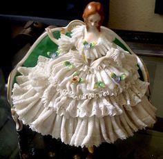 "Antique Ackermann Fritze Dresden Lace Lady on A Coach Porcelain Figurine 5"" | eBay"
