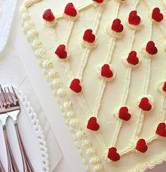 SugaryWinzy Strawberry Hearts Cake