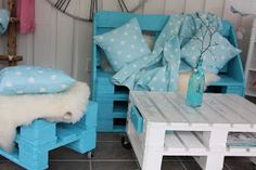 CreativeInspiring-Methods-of-Recycling-Wooden-Pallets-Into-Your-Own-Garden teal tourqouise pallet furniture Wood Pallet Furniture, Furniture Projects, Furniture Making, Furniture Decor, Pallet Projects, Pallet Walls, Garden Furniture, Pallet Organization Ideas, Wooden Study Table
