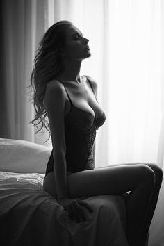 b&w boudoir lingerie portrait on near window, shot with daylight. Boudoir photography ideas Privé Portraits NYC