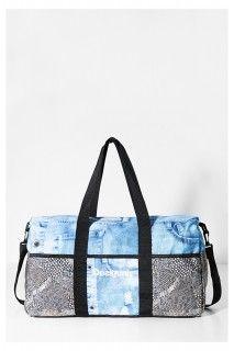 Desigual sportovní velká taška Life Bag Y Luxury - 1899 Kč Gym Bag, Paisley, Sport, Bags, Fashion, Handbags, Moda, Deporte, Fashion Styles
