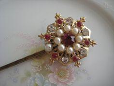 repurposed vintage brooch into bobby pin