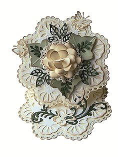 beautiful flower-shaped easel card