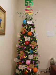 May Tree: Happy birthday to me 2013 – Decorating Foyer Christmas Tree Themes, Holiday Themes, Xmas Tree, Christmas Holidays, Holiday Decorations, Holiday Ideas, Birthday Tree, Birthday Celebration, Birthday Traditions