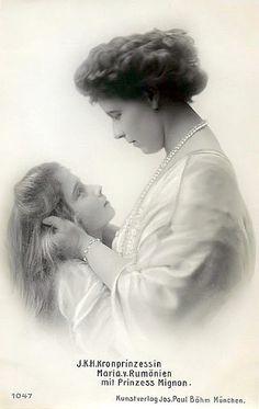 Marie und Mignon, Marie Queen of Romania