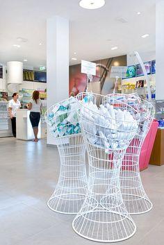 Farmacia Romany by Mobil M #farmacia #diseño www.mobil-m.es