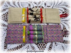 A tampon and pad case.just idea, no instructions Sewing Projects For Kids, Sewing For Kids, 72 Hour Emergency Kit, Little Gifts, Stocking Stuffers, Hand Sewing, Purses And Bags, Fabric, How To Make