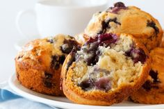 Blueberry and lemon curd muffins - Starts at 60 Blueberry Power Muffins, Homemade Blueberry Muffins, Blue Berry Muffins, Cupcakes, Baking With Olive Oil, Epicure Recipes, Lac Saint Jean, Mediterranean Diet Recipes, Mediterranean Breakfast