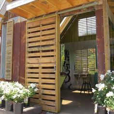 Sliding pallet door!! I love love love this..