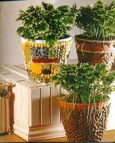 Decorating flower pots