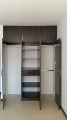 Closet de madera chocolate muebles de dise o pinterest for Diseno de interiores closets modernos