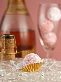 Truffles in a champagne glass. Pink Champagne Truffles Recipe : Decorating : Home & Garden Television Dessert Crepes, Dessert Blog, Oreo Dessert, Dessert Tables, Fudge, How To Make Pink, Chocolates, Wedding Ideias, Champagne Truffles