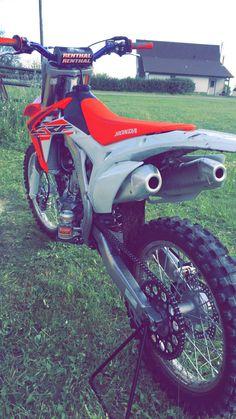 Motocross Kit, Enduro Motocross, Honda Motorcycles, Cars And Motorcycles, Tmax Yamaha, 125cc Dirt Bike, Cool Dirt Bikes, Dirt Bike Girl, Custom Muscle Cars