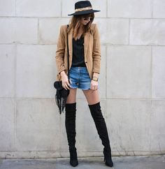 street-style-shorts-jeans-bota-over-the-knee-chapeu