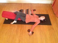 A Restorative Practice for Svadhisthana Chakra - Yoga Fitness Ideas Iyengar Yoga, Ashtanga Yoga, Yoga Yin, Yoga Restaurativa, Restorative Yoga Sequence, Yoga Sequences, Yoga Inspiration, Yoga Nature, Chakras