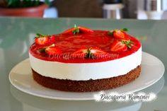 Tort cu iaurt si capsuni pregatit de Ramona Dascalu Panna Cotta, Cake, Ethnic Recipes, Desserts, Tailgate Desserts, Dulce De Leche, Deserts, Kuchen, Postres