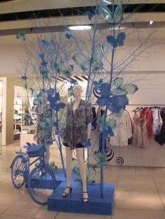 """""""It's just another day in paradise Monique"""", pinned by Ton van der Veer Visual Display, Display Design, Store Design, Visual Merchandising, Vitrine Design, Decoration Vitrine, Store Displays, Window Displays, Retail Windows"""