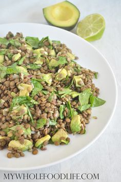 Make this healthy lentil spinach salad with avocado. Gluten free and vegan. Also very budget friendly! Healthy recipe idea.