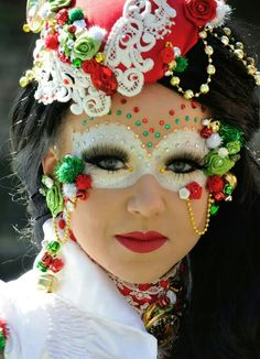 Spanisch/Mexican halloween or carnaval make-up. Found on facebook. To cute not to store on pinterest.