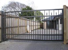 Driveway Gates | Open farme driveway swing gate, aluminium
