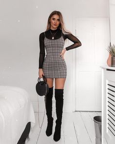 """""""Abbigliamento: le tendenze moda per inverno 2019 Take a look at the best winter dresses with long sleeves in the photos below and get ideas for your outfits! Chic Burgundy Dress – Maxi Dress – Long… More """" ideas fall dressy Dressy Outfits, Office Outfits, Cute Outfits, Fashion Outfits, Womens Fashion, Fashion Trends, Fashion Fashion, Office Attire, Sweater Outfits"""