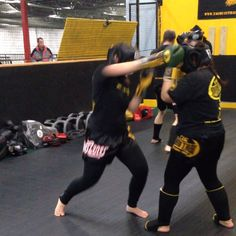 """Muay Thai sparring drill last night called """"35's""""!  One person does 3-5 combos and then the other person looks for an opening and throws 3-5 combinations!  Visit www.tagmuaythai.com and follow us @tagmuaythai #muaythai #thaiboxing  #mtsparring #35s"""